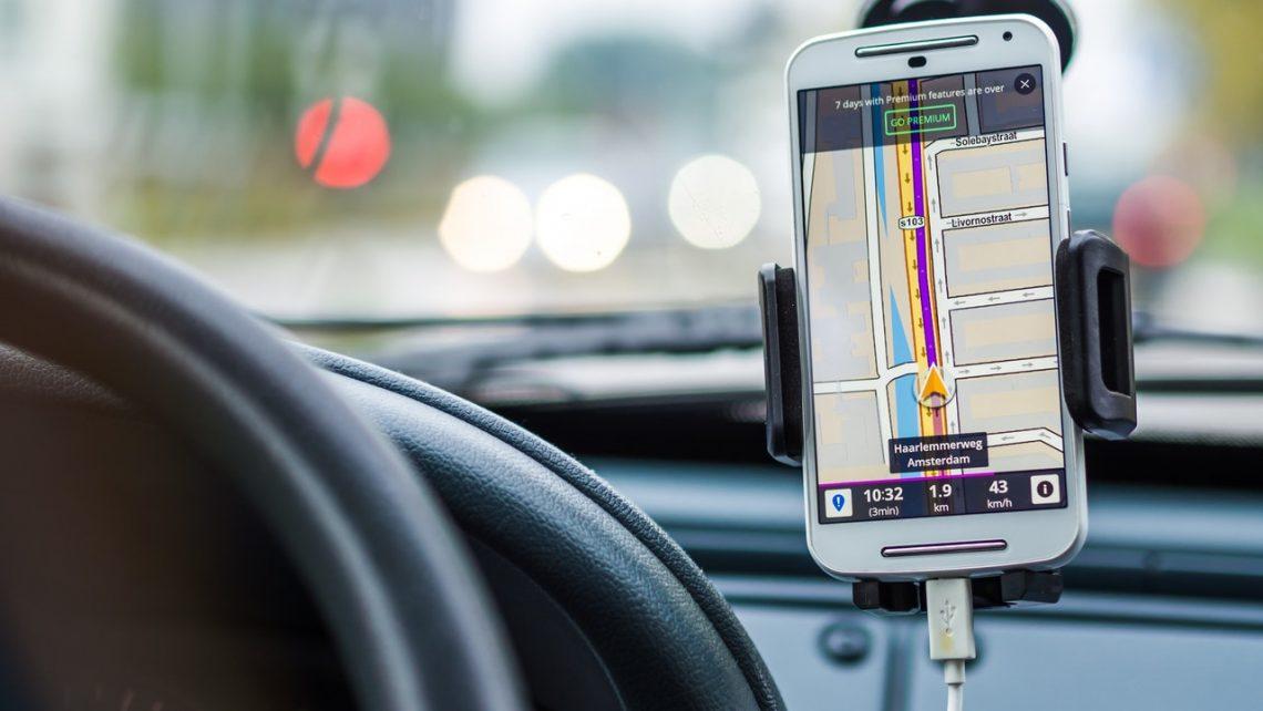 GPS en el parabrisas